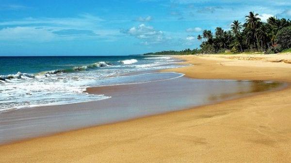Tricomalee-orilla-de-la-playa